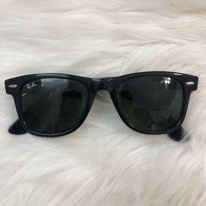 Ray-Ban Original Wayfarers Sunglasses